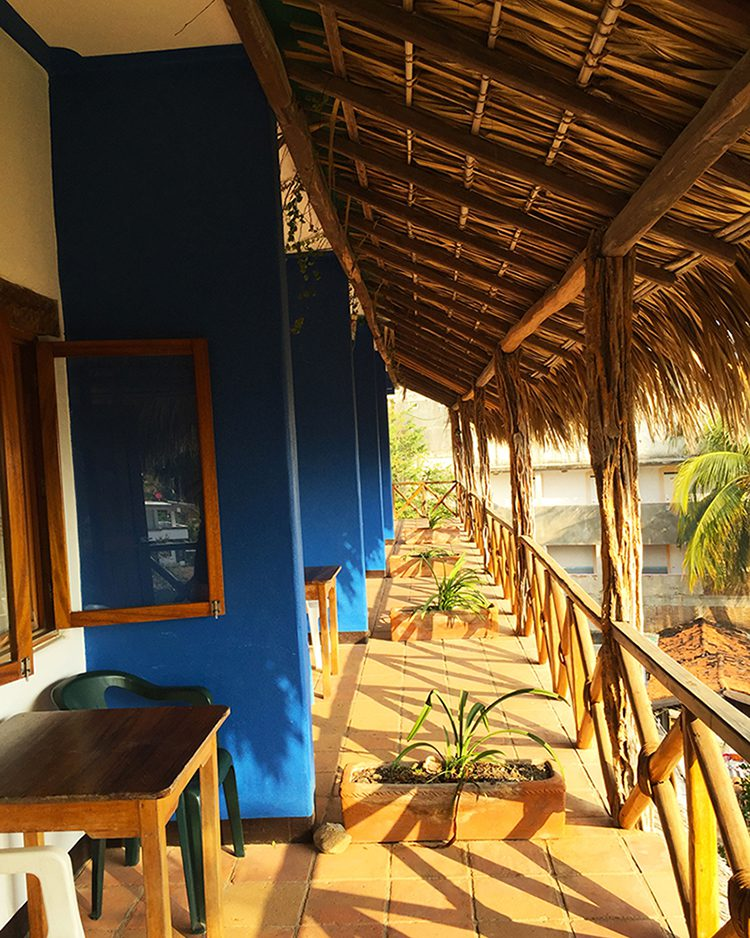budget hotel in puerto escondido