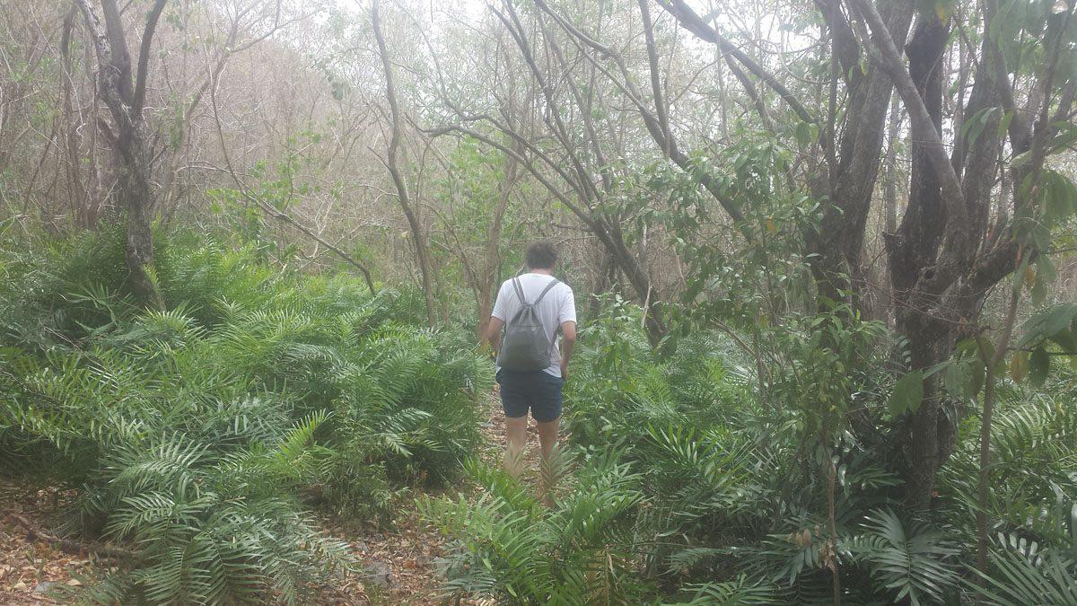 Playa Fronton Hiking.