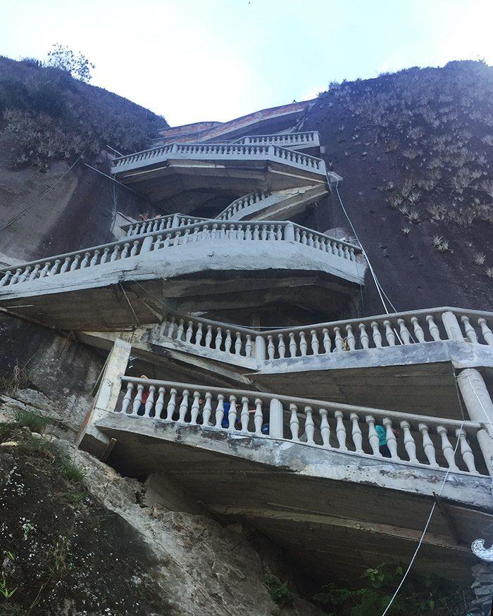 stairs at la piedra guatape