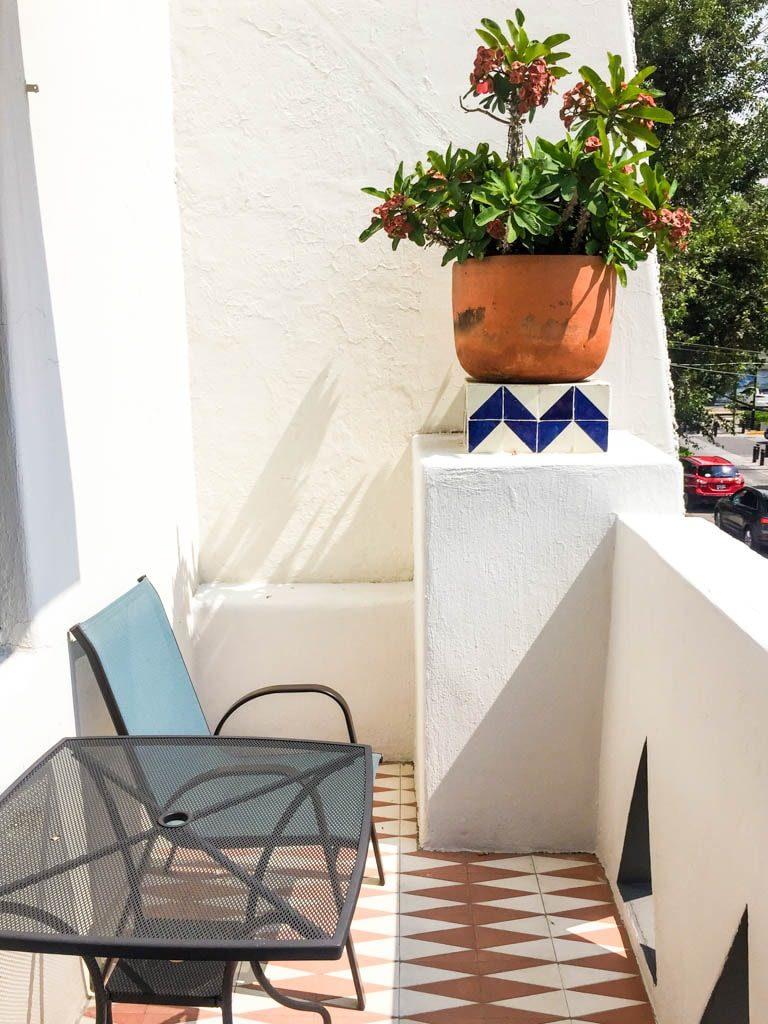 balcony la fe hotel