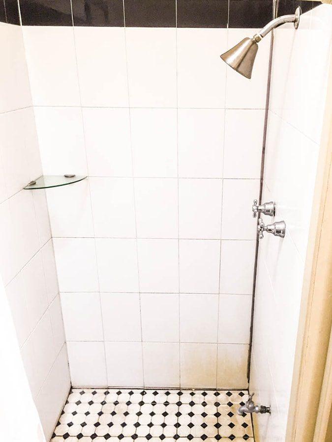 shower la fe hotel