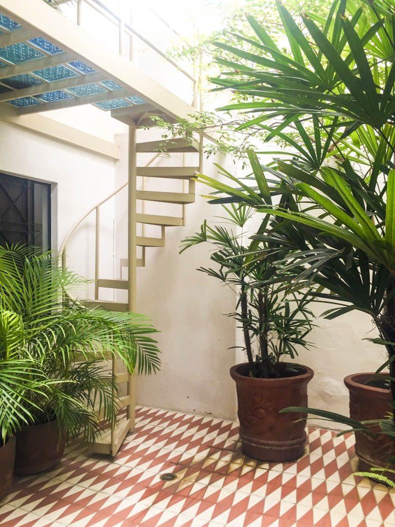 courtyard la fe hotel guadalajara
