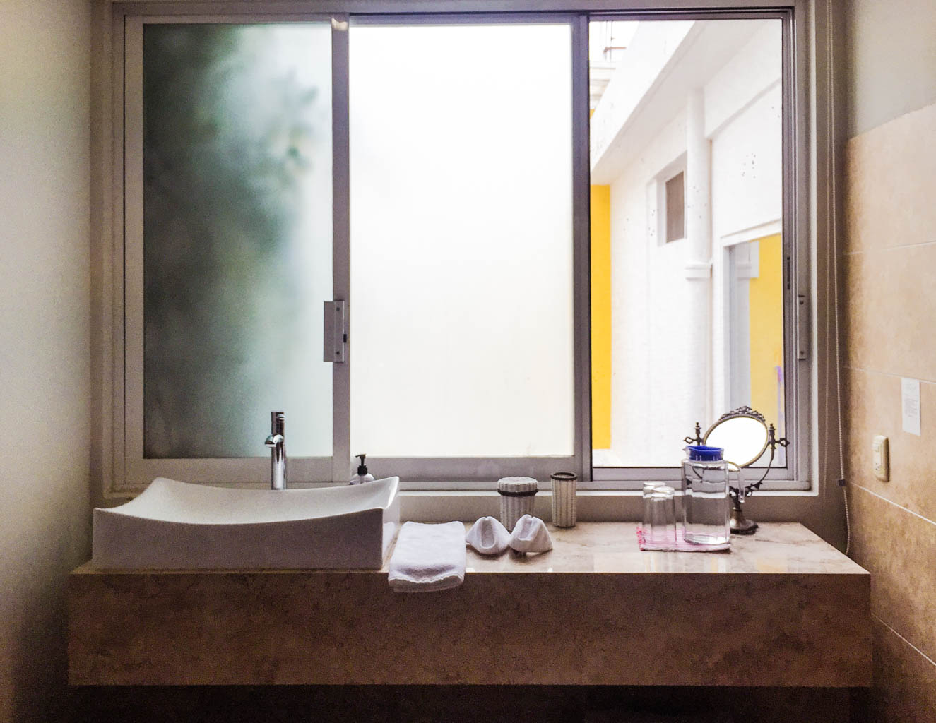 bathroom las bugambilias