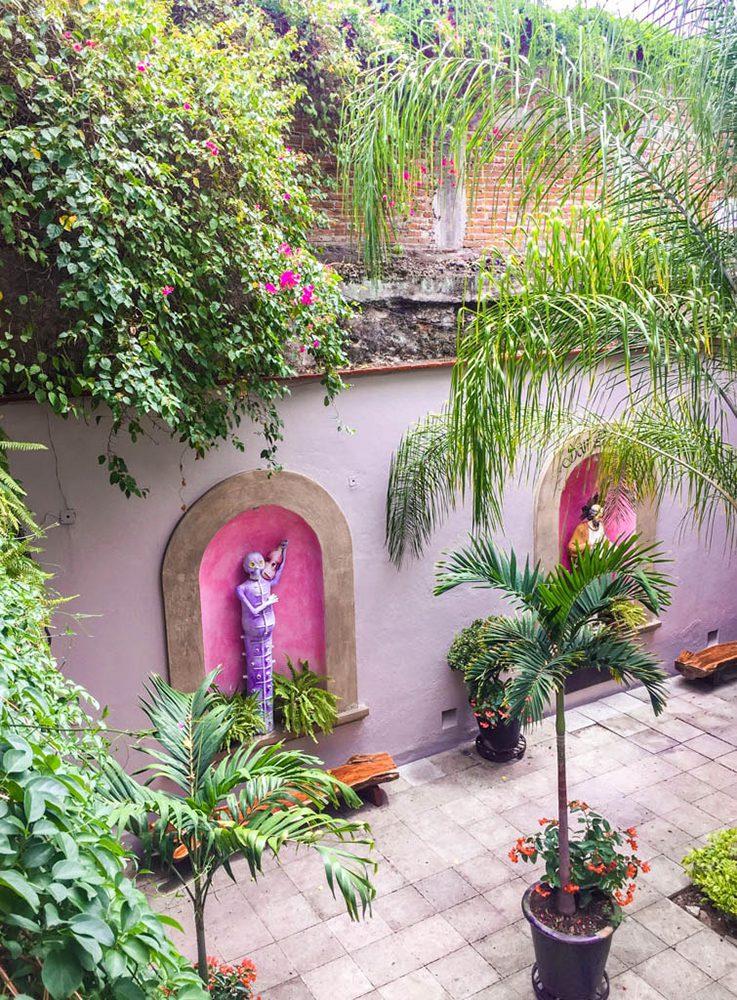 view of courtyard las bugambilias oaxaca