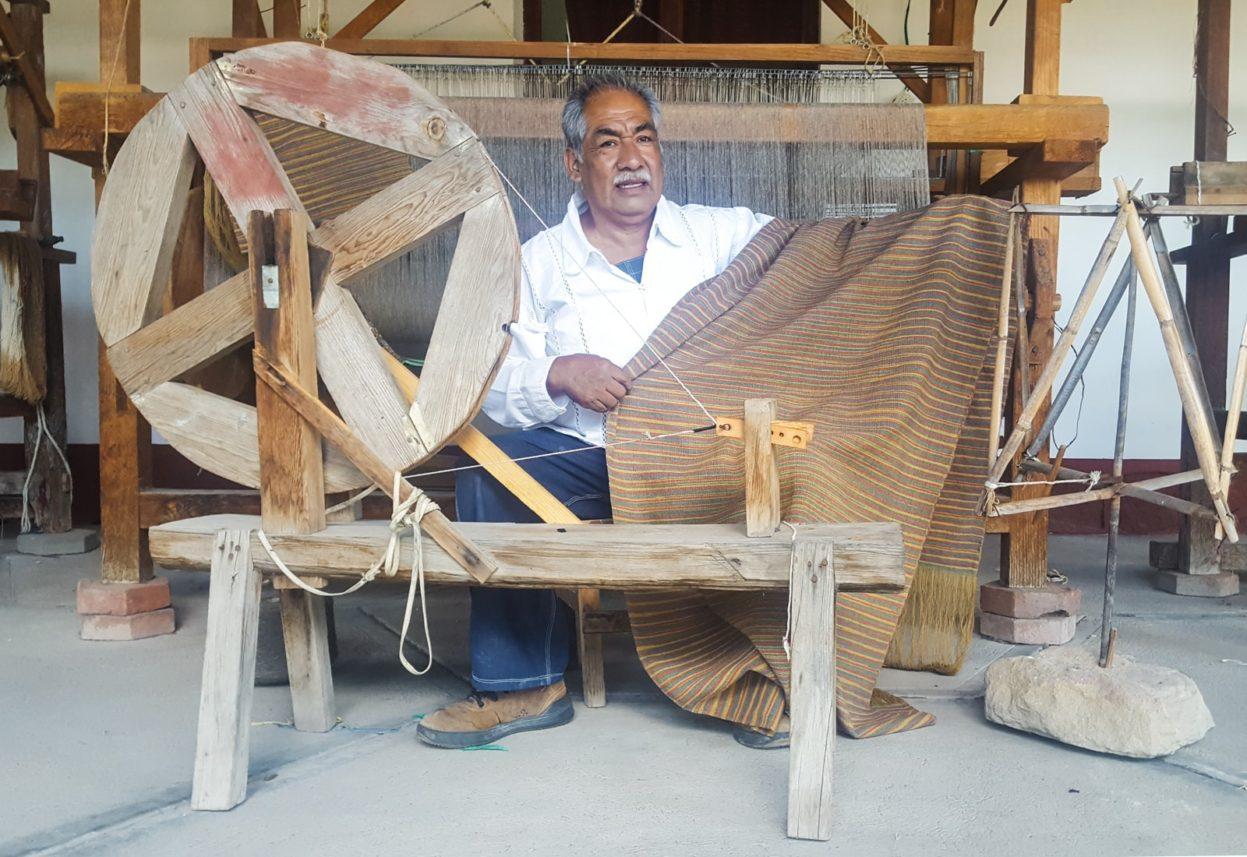 arturo hernandez quero mitla weaver