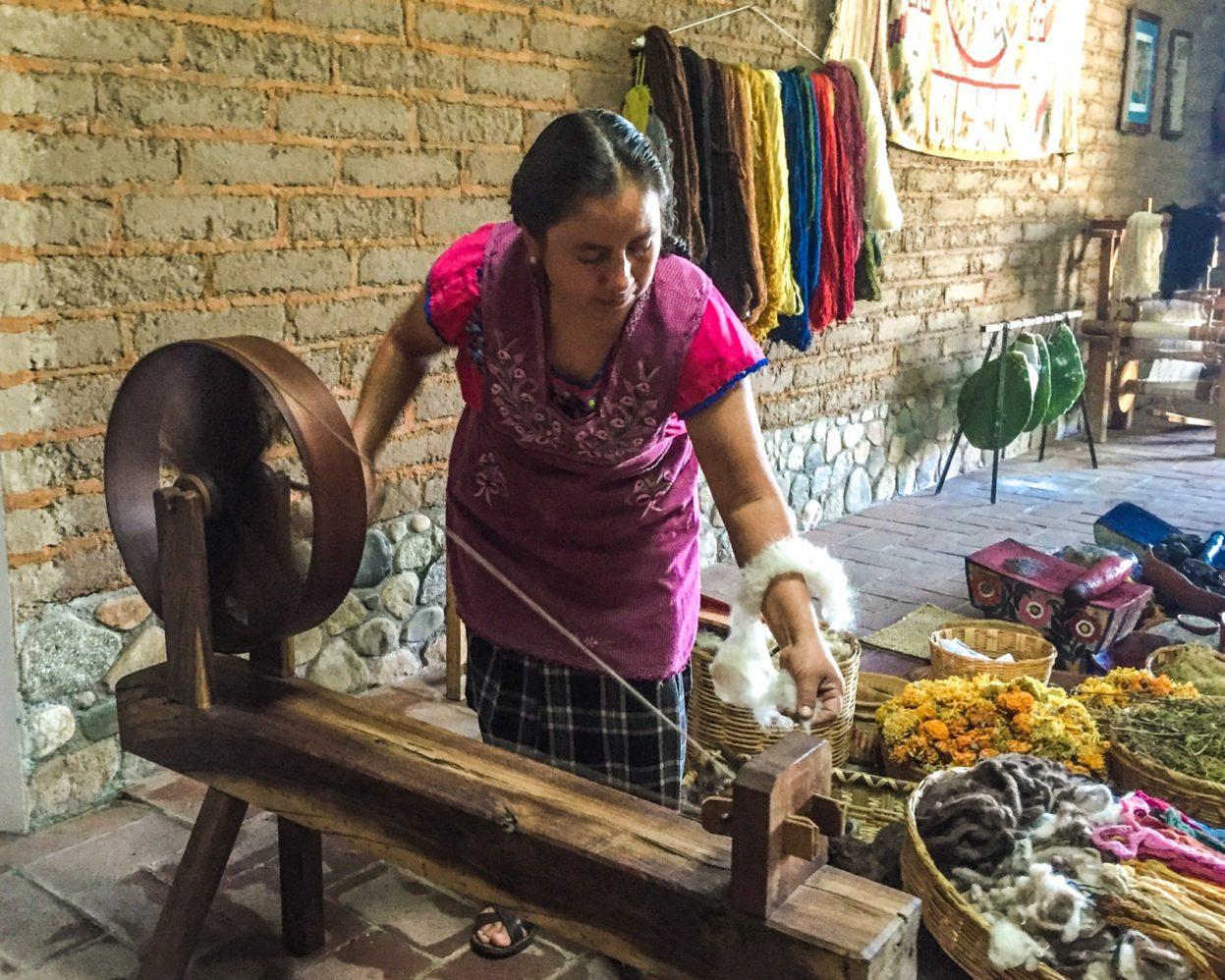 spinning wool oaxacan textiles
