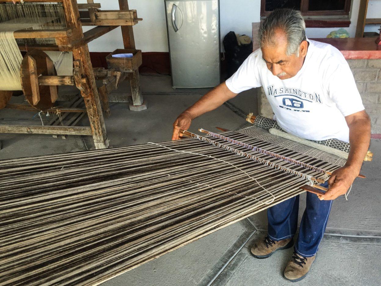 backstrap loom weaving mitla oaxaca