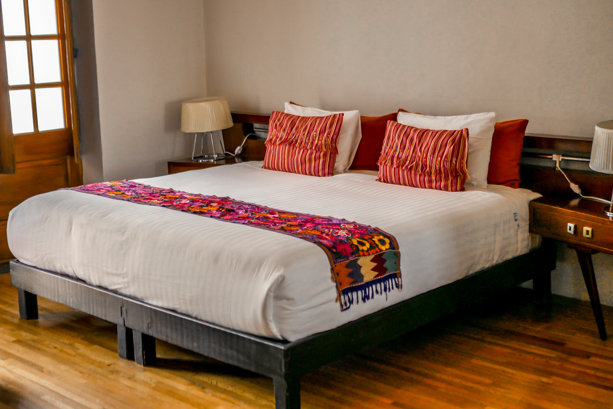 Chiapas suite bed historic hotel in Mexico City