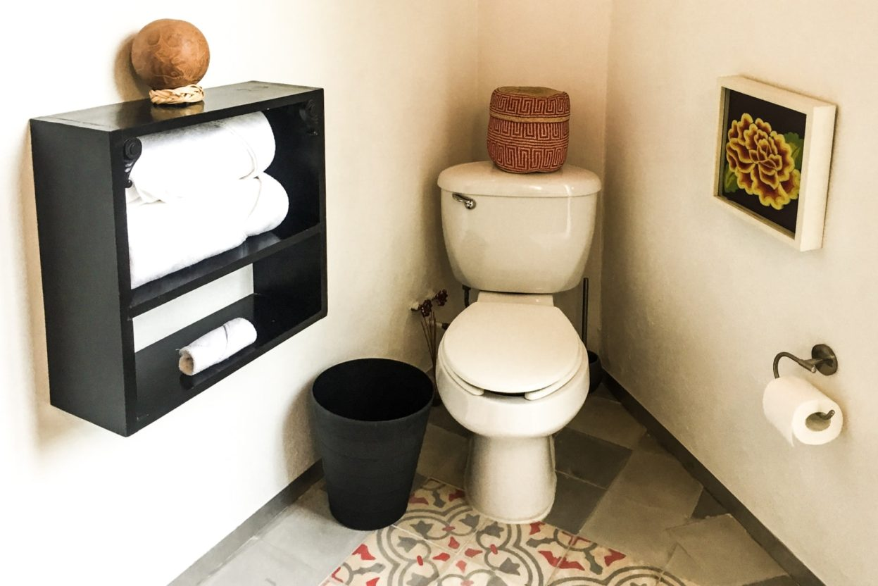 bathroom el patio 77