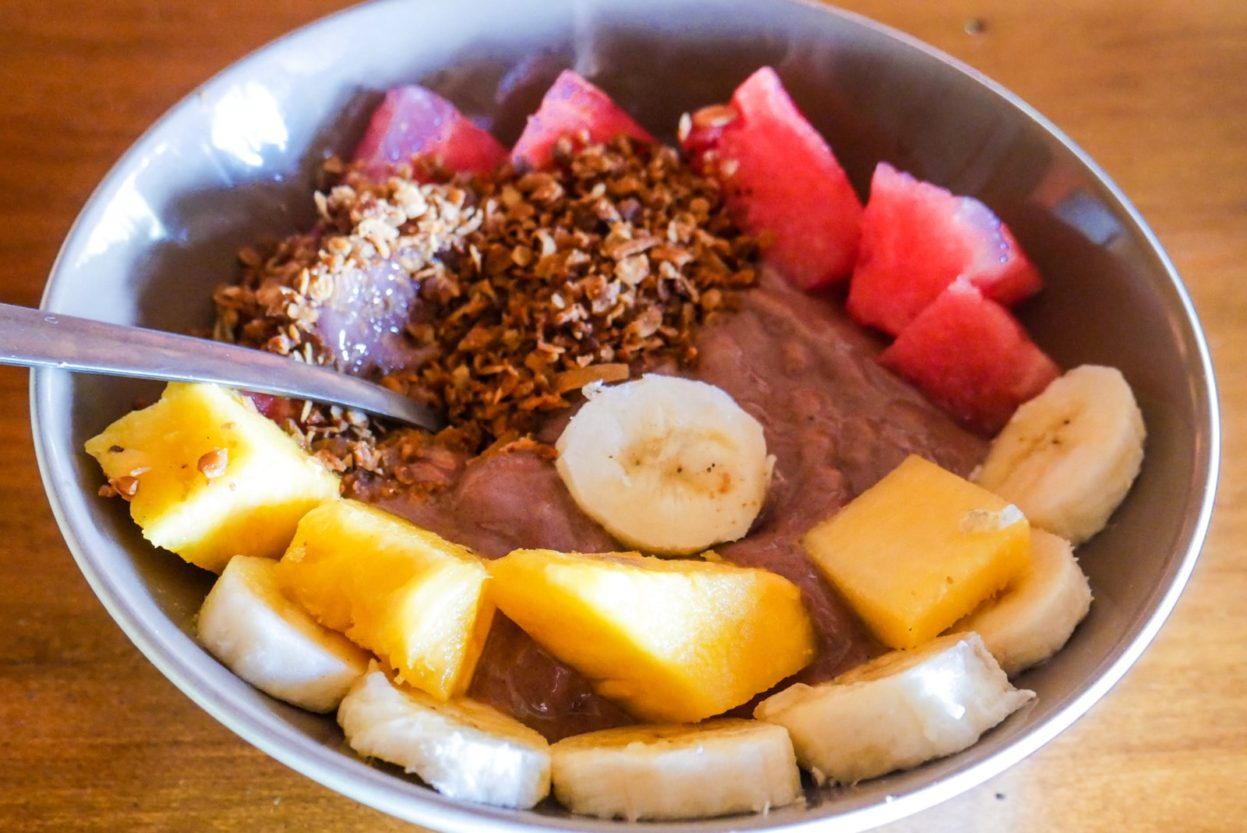 cambutal breakfast acai bowl