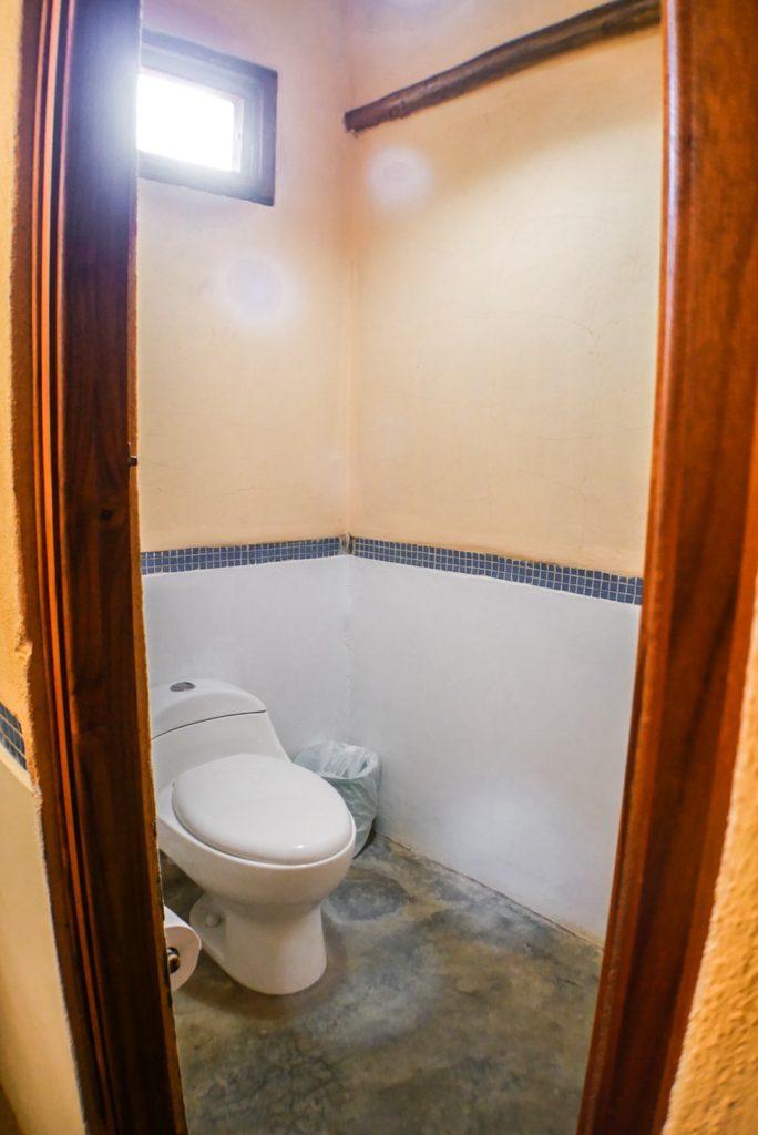 bathroom casa lajagua