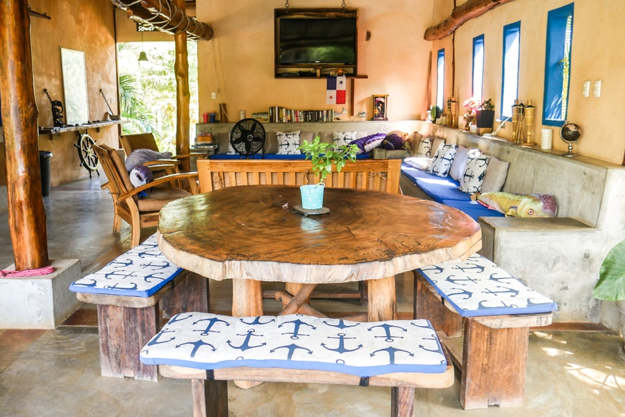 dining table casa lajagua pedasi