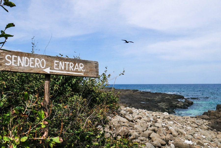 isla iguana sendero hike