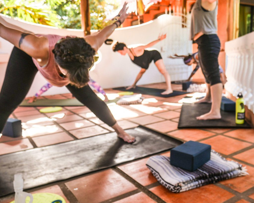 costa rica yoga retreat class