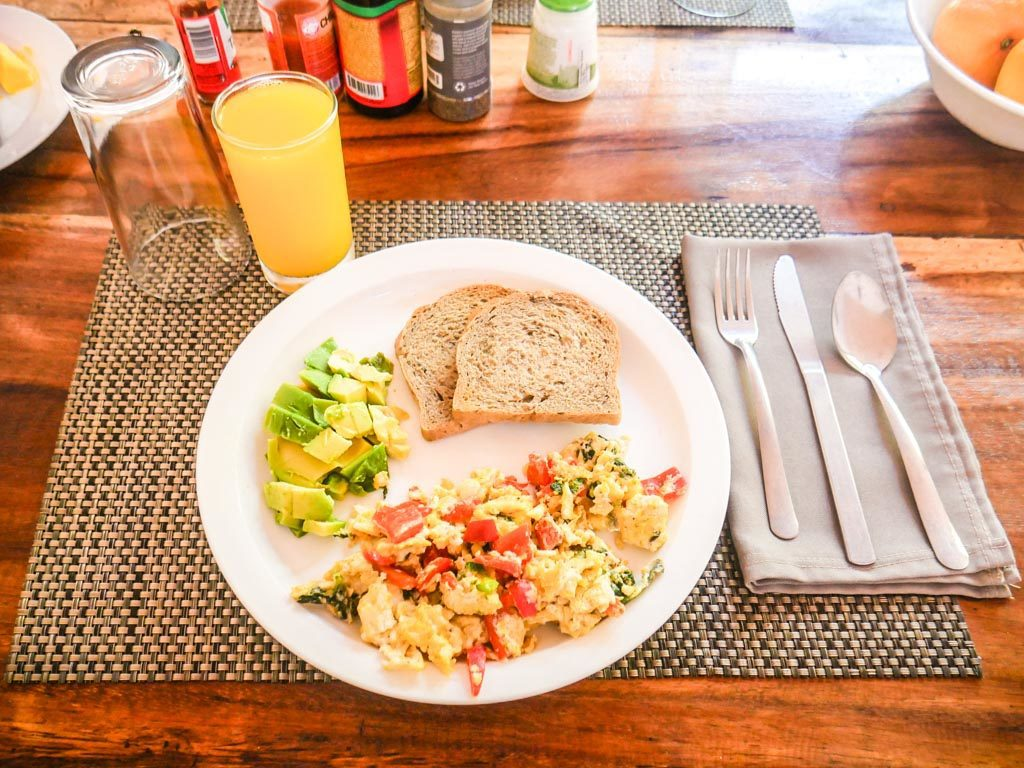 costa rica yoga retreat breakfast