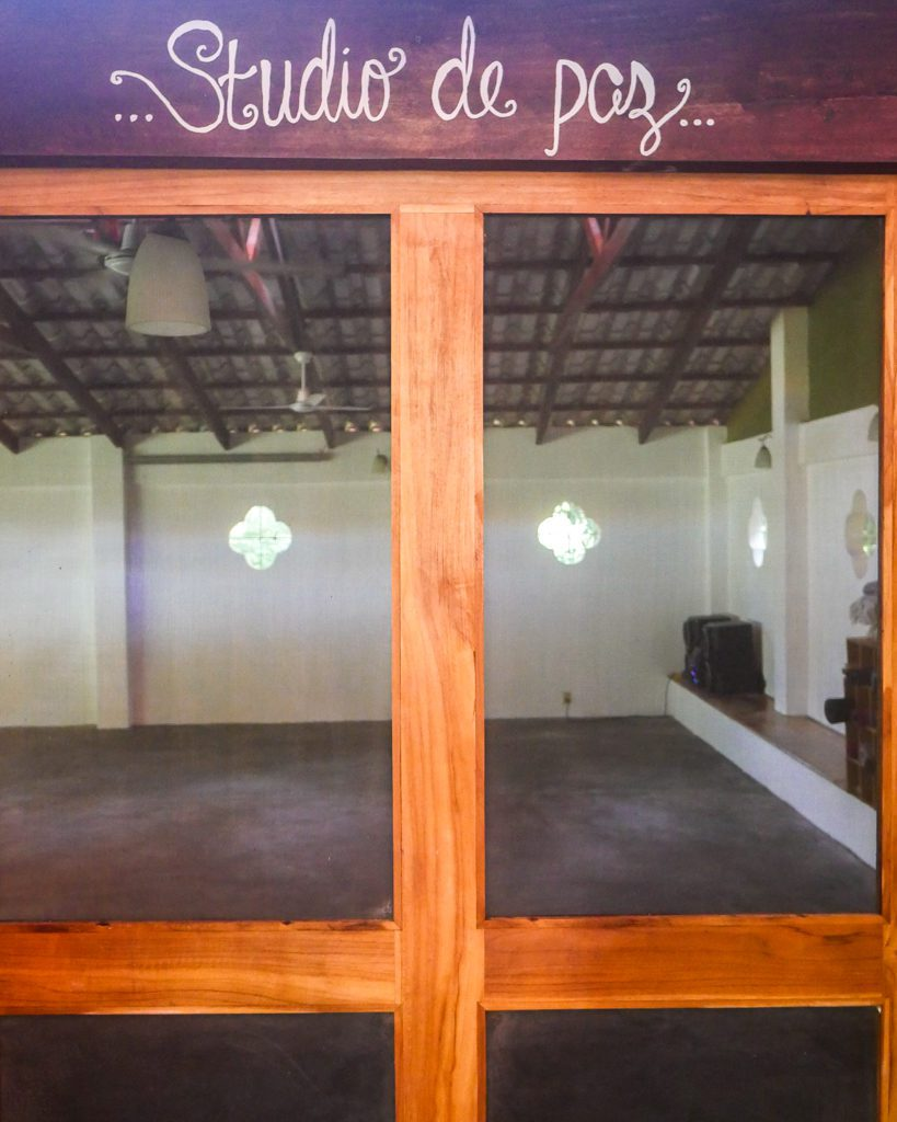 yoga studio peace retreat costa rica