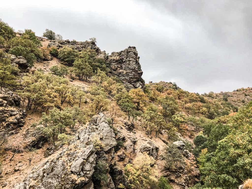 hiking sierra nevada mountains haza larguilla
