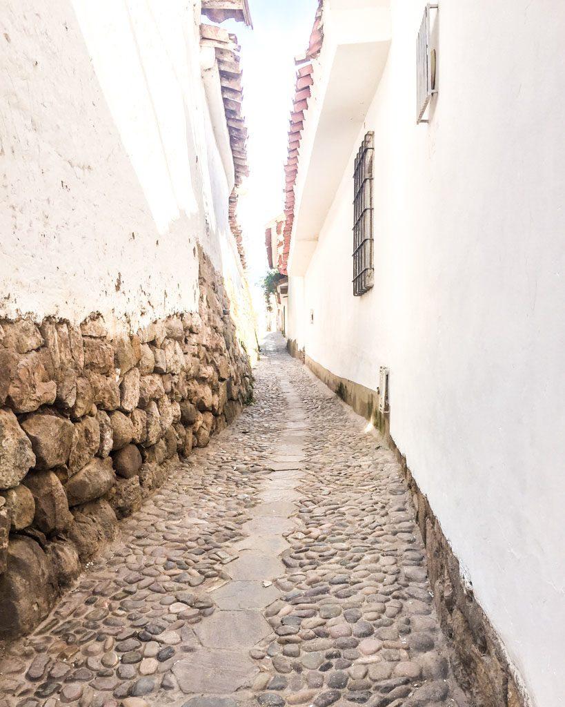 winding streets in san blas cusco