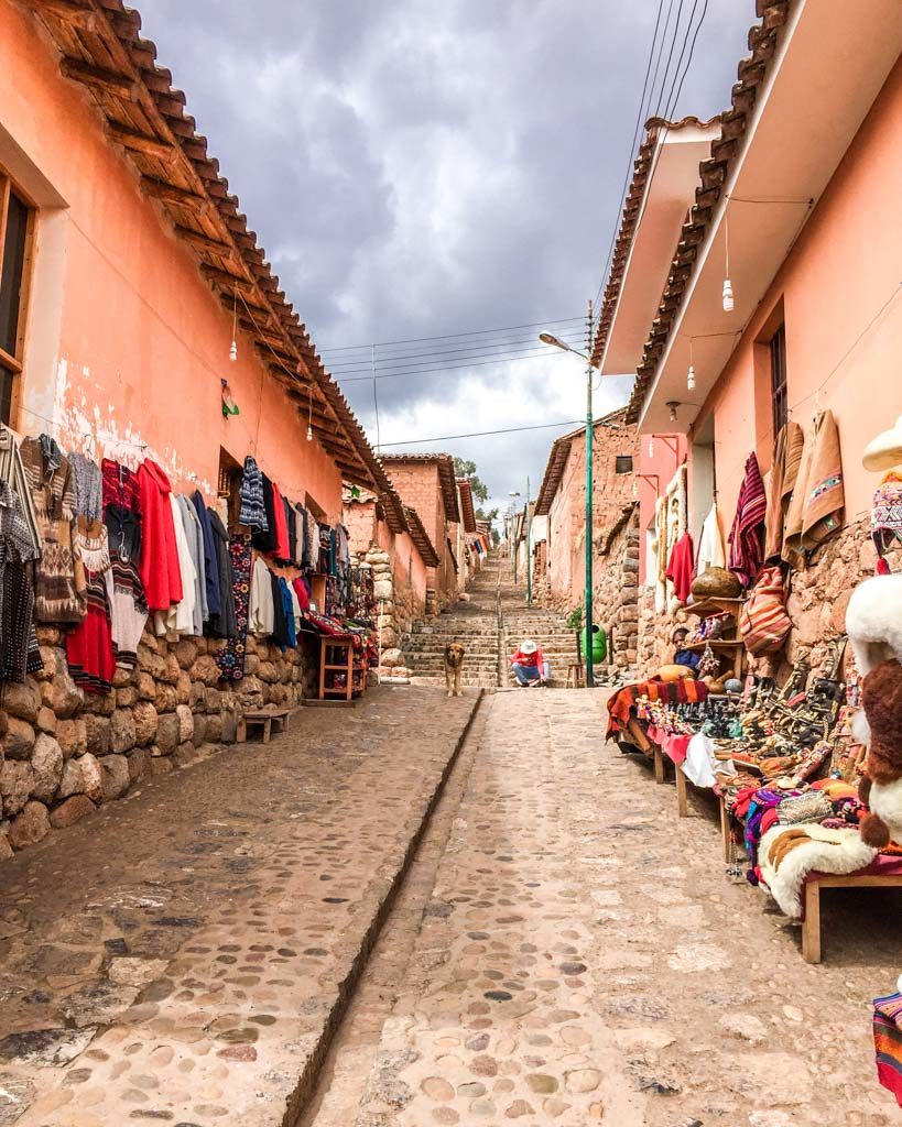 walking to the chinchero ruins