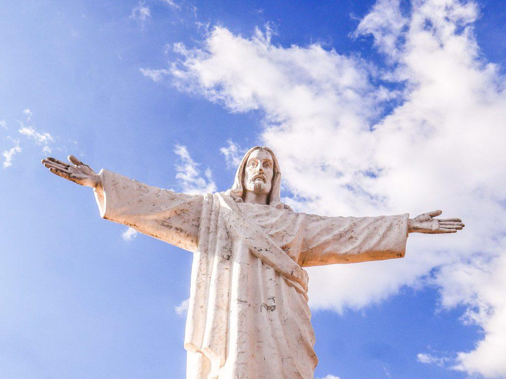 cristo blanco statue cusco