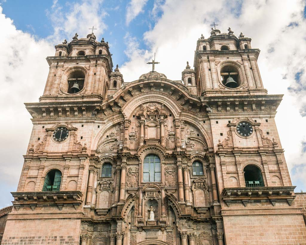 photos of cusco church plaza de las armas