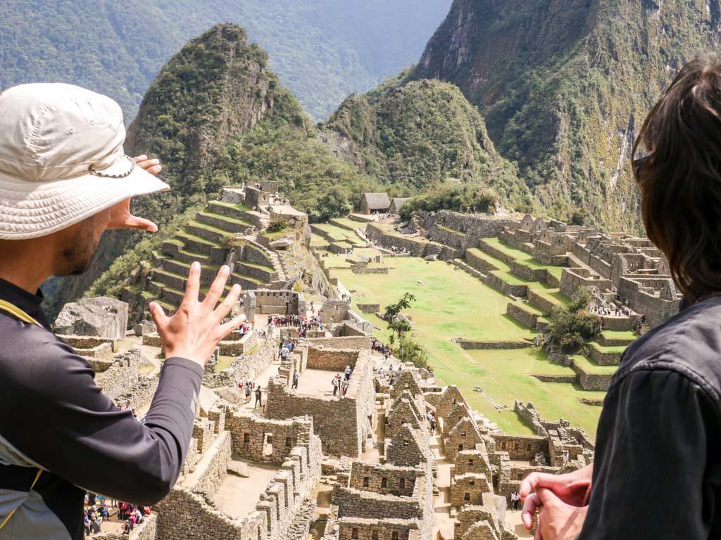 tour guide machu picchu