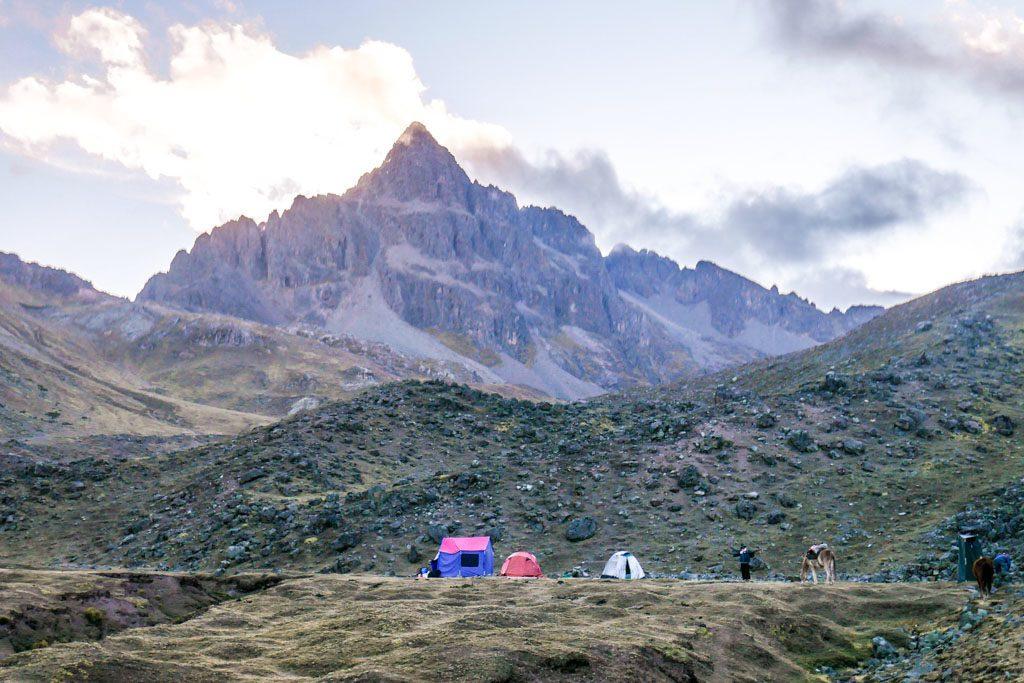 ayni peru campsite rainbow mountain trek