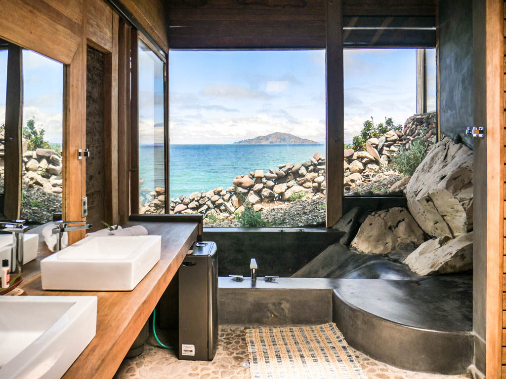 lake titicaca hotel bathroom