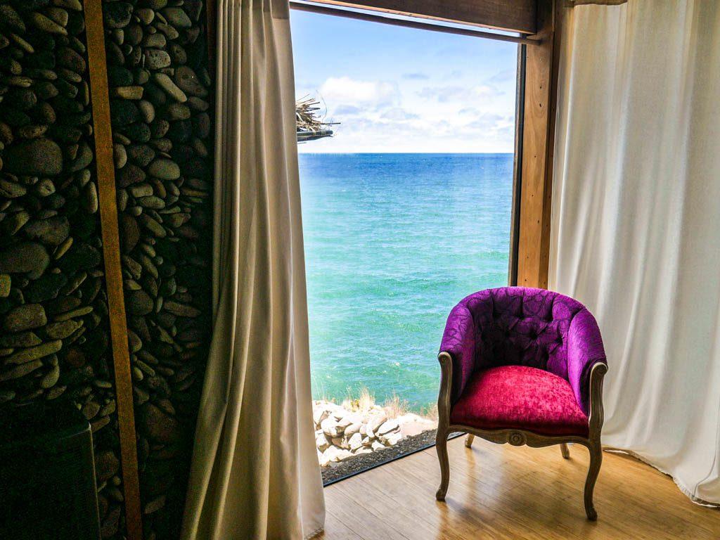 lake titicaca hotel bedroom