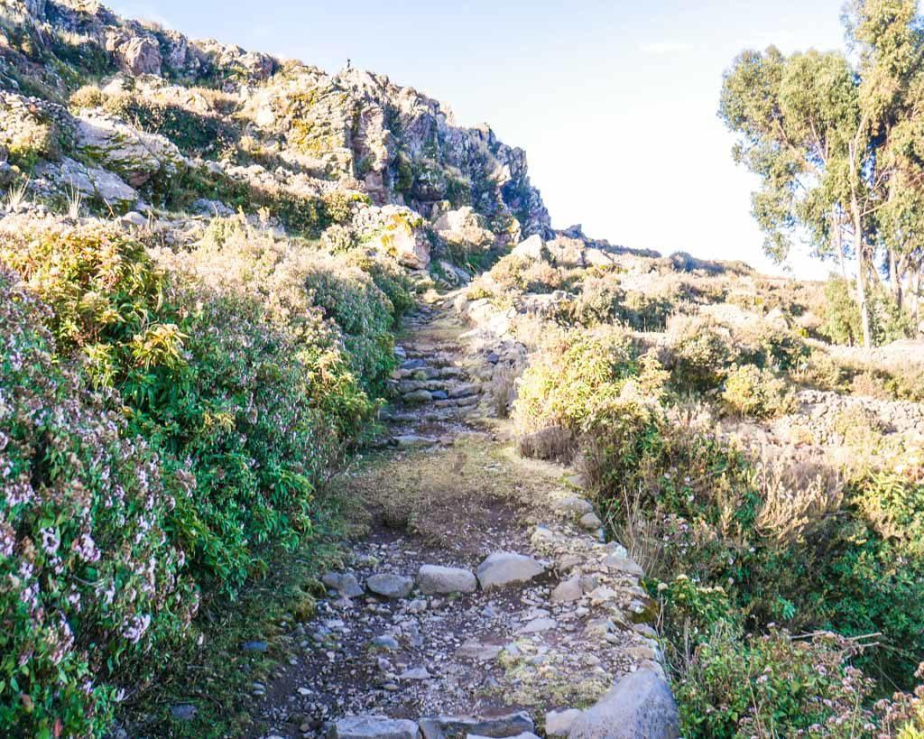 hike amantani island