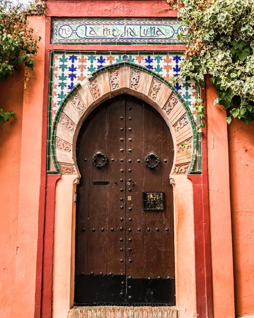 beautiful door in granada city guide