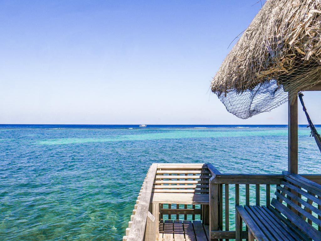 roatan hotel beach