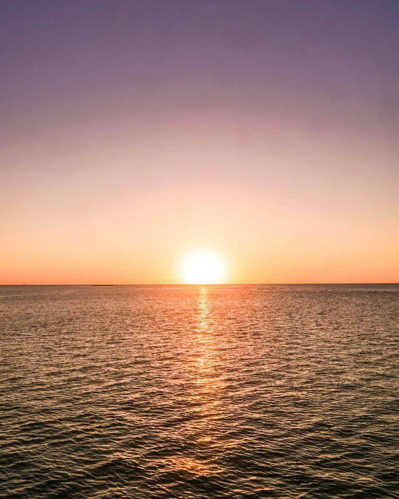 sunset roatan honduras
