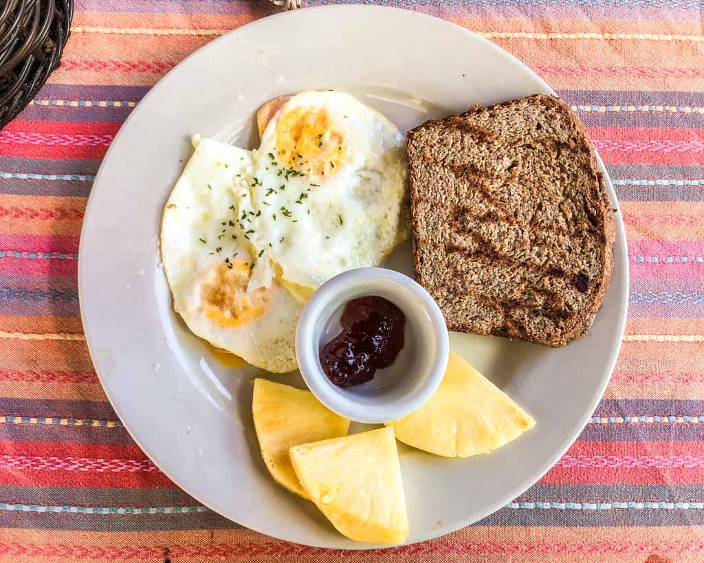 breakfast camp bay lodge roatan honduras
