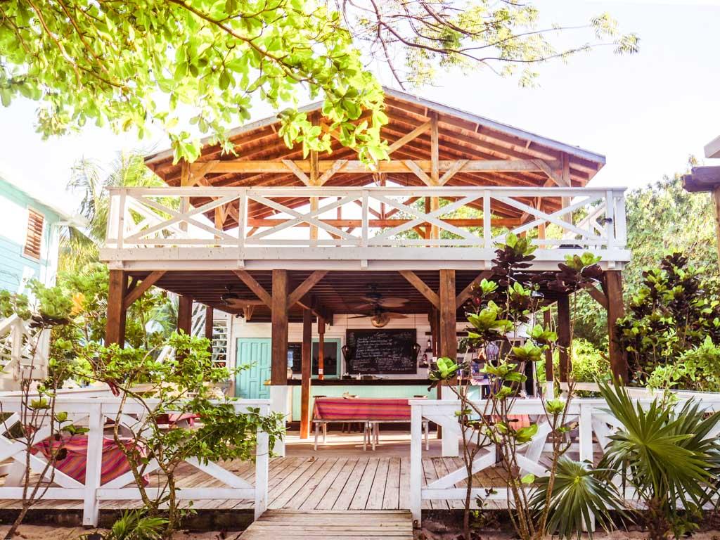 camp bay lodge restaurant