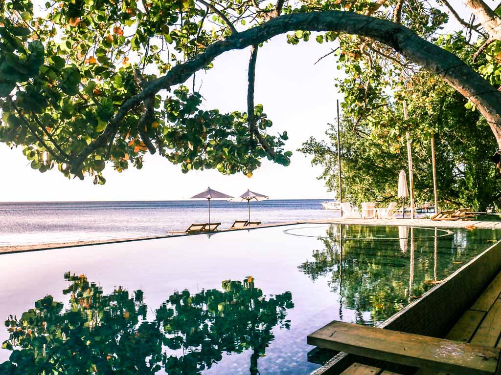 roatan honduras travel pool