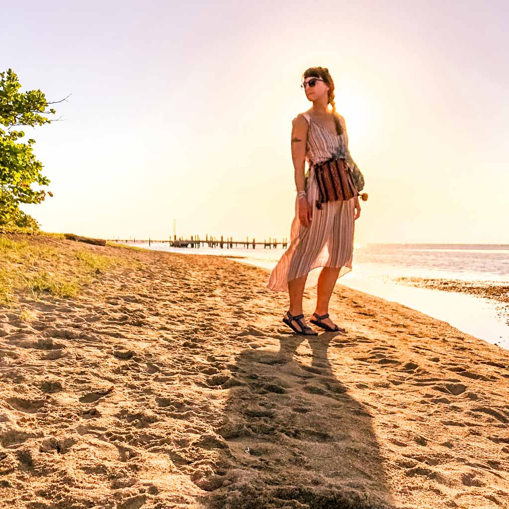 roatan travel beach in sandy bay