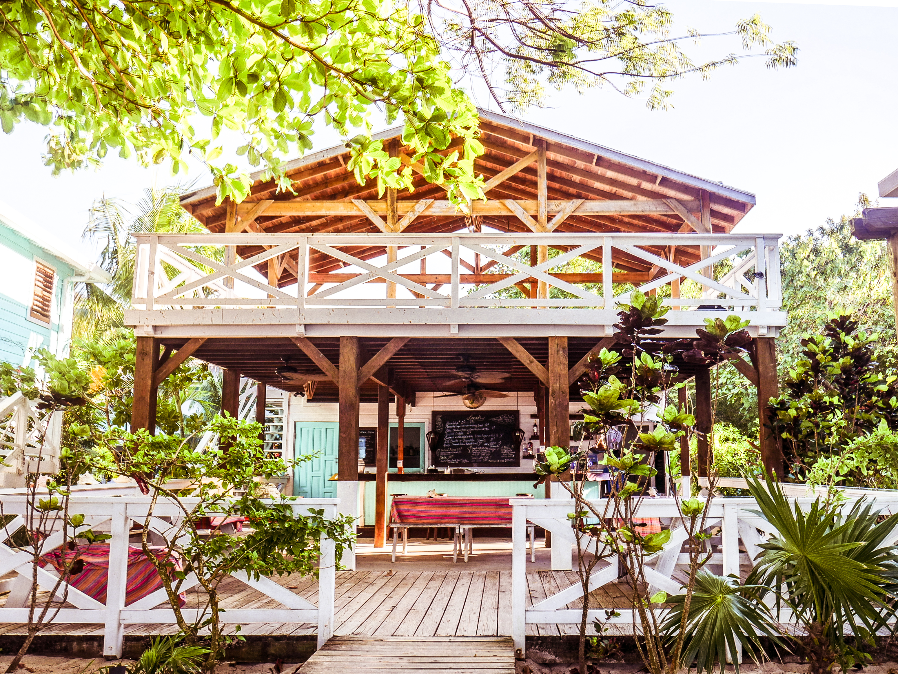 roatan vacation camp bay restaurant
