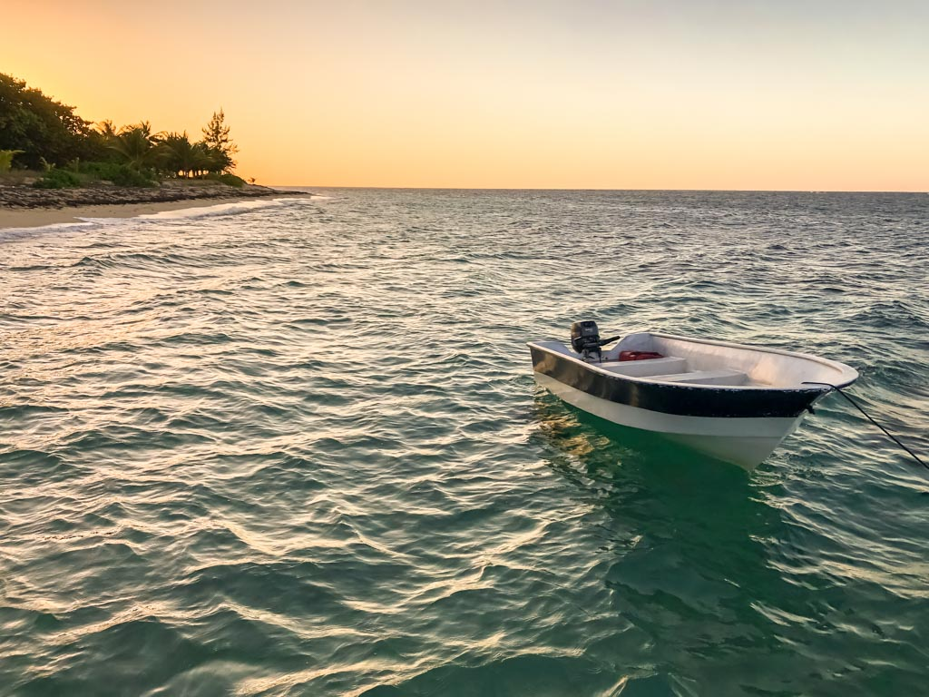 roatan vacation sunset