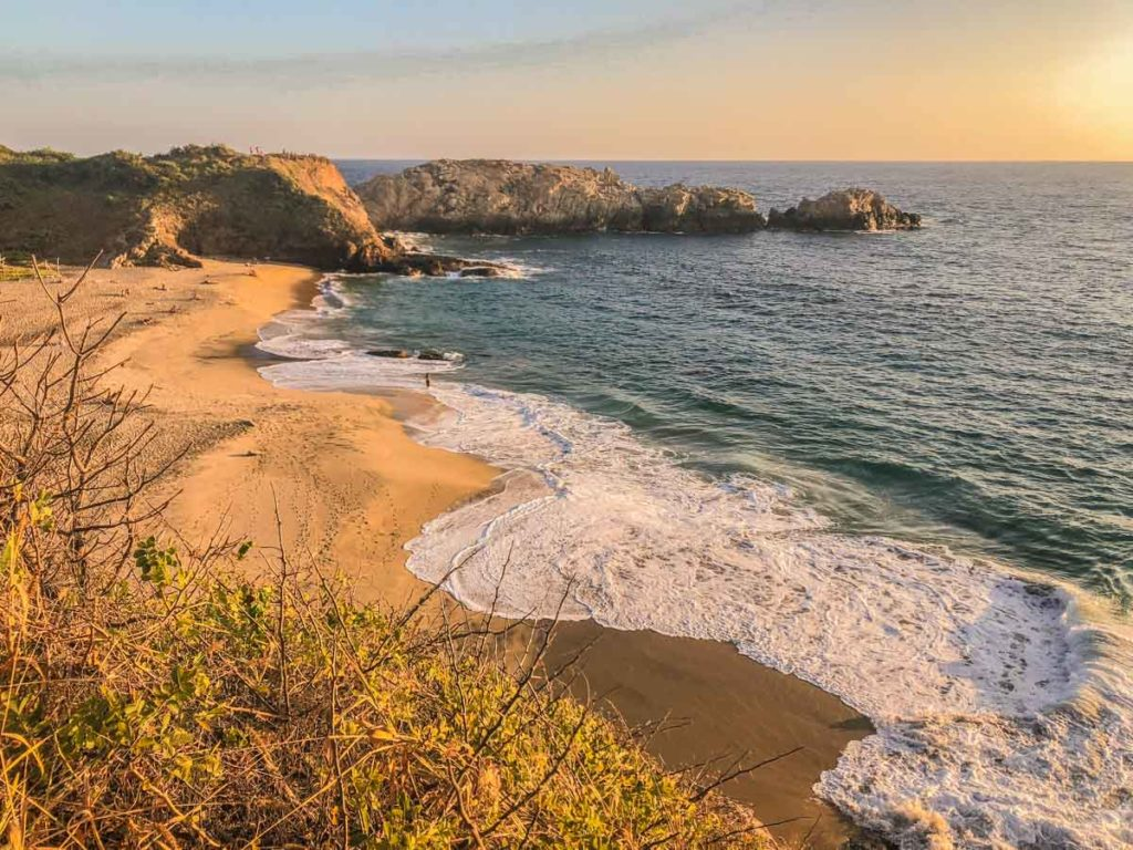 punta cometa beach mazunte oaxaca hike