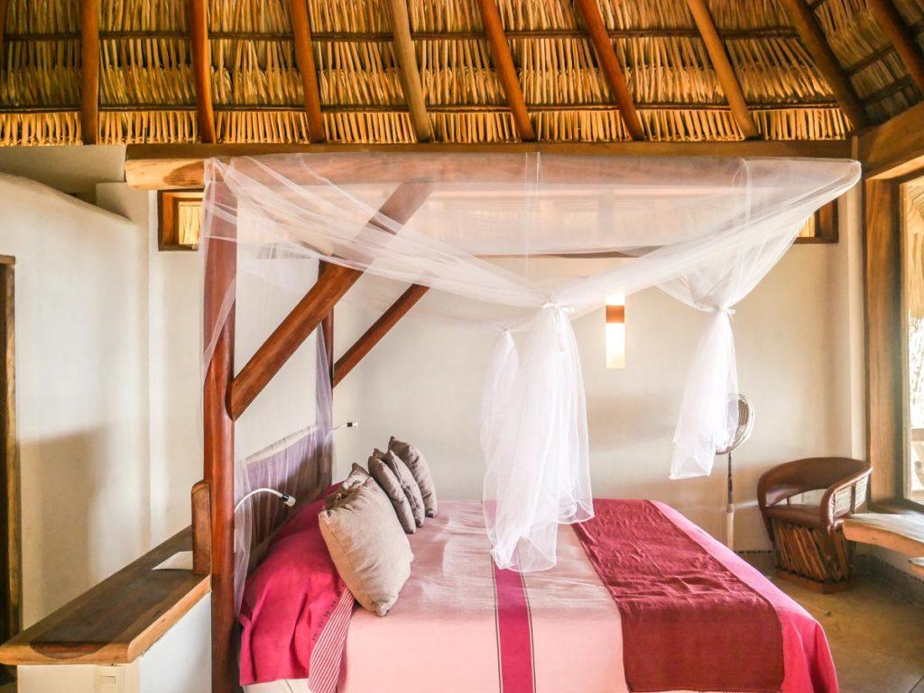 zazil retreat suite bed san agustinillo