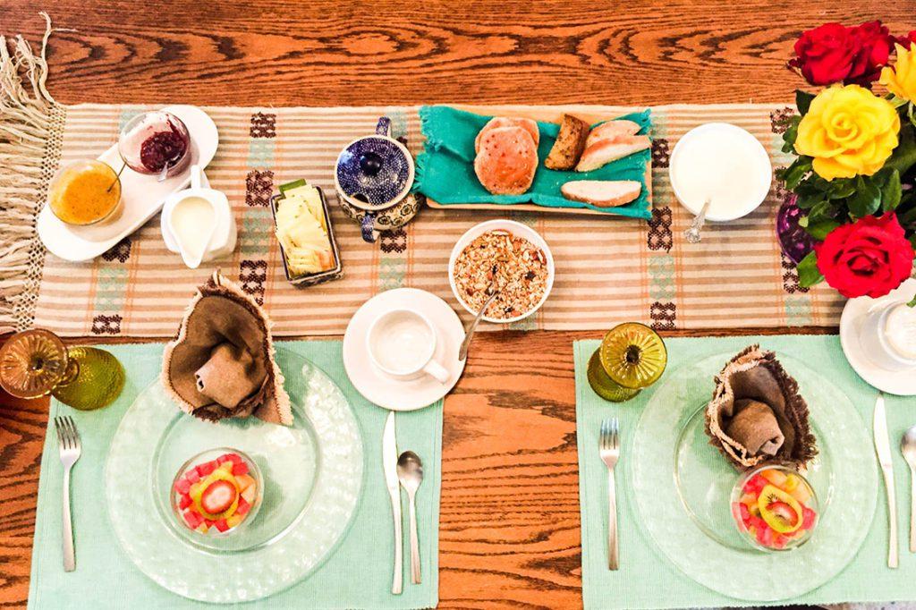 breakfast at casa de las bugambilias oaxaca
