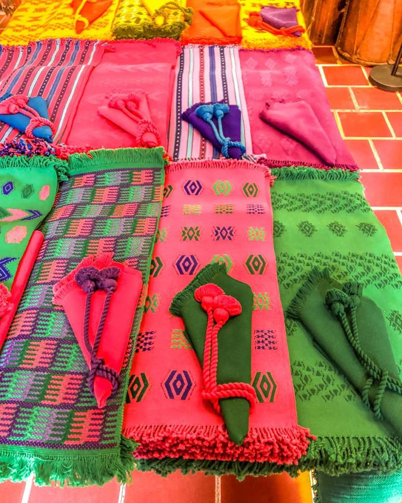 colibri antigua colorful textiles