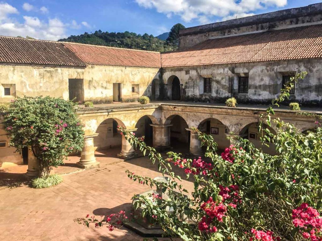 courtyard at convento capuchinas