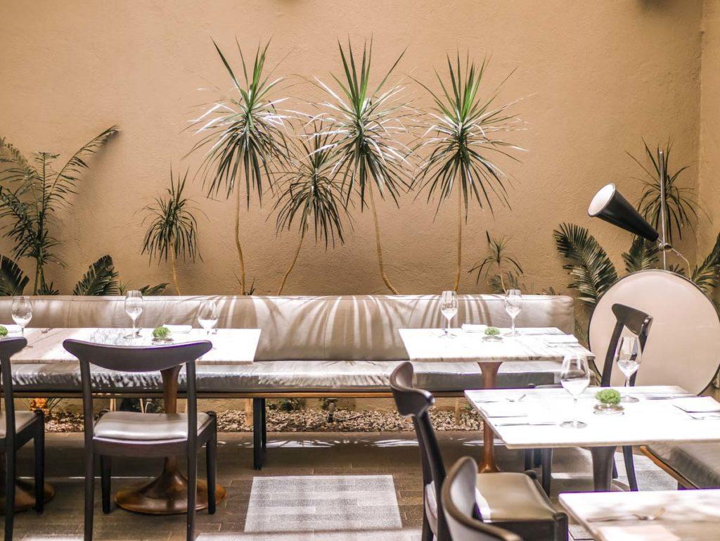 dos casas hotel restaurant