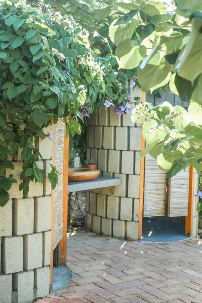 outdoor bathroom airbnb puerto escondido