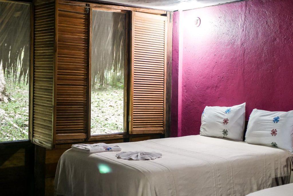 hotel las guacamayas cabin