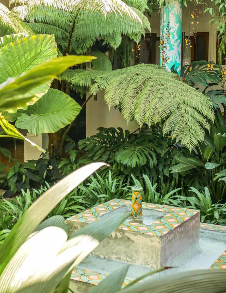 cafe-stela-courtyard