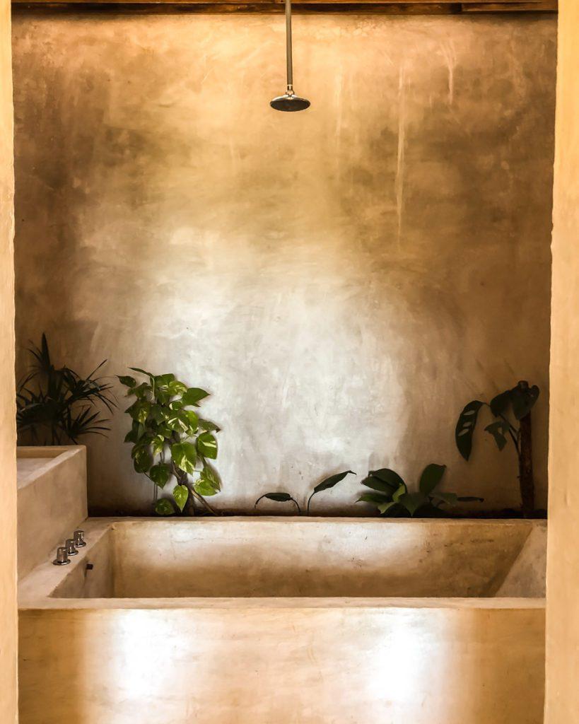 bathroom-at-monte-uzulu-hotel-in-san-agustinillo